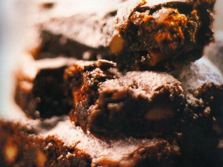 Brownies med nøtter og sjokoladebiter
