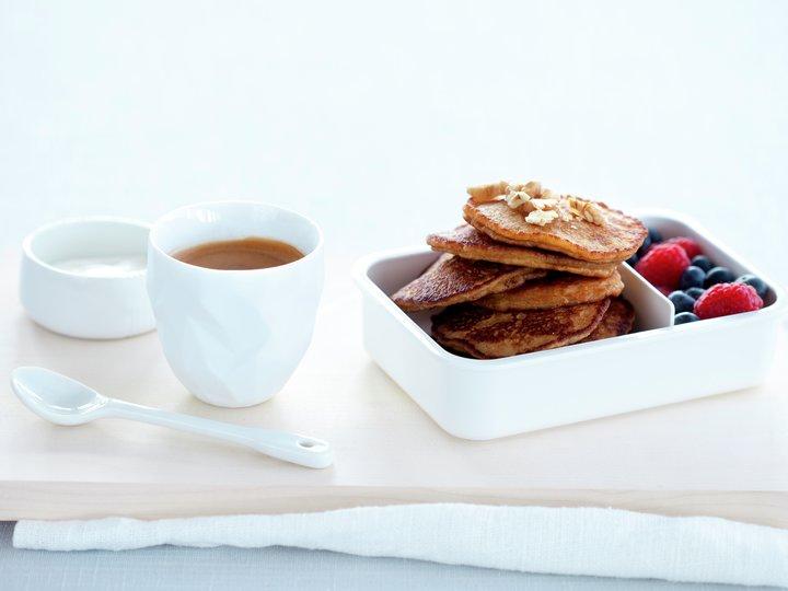 Havrelapper med bær og yoghurt