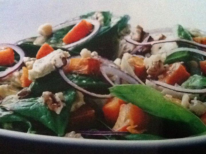 Spinatsalat med søtpoteter og kylling
