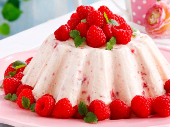 Bringebær-yoghurtis i lekker form