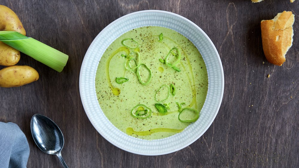 Enkel potet- og purreløksuppe