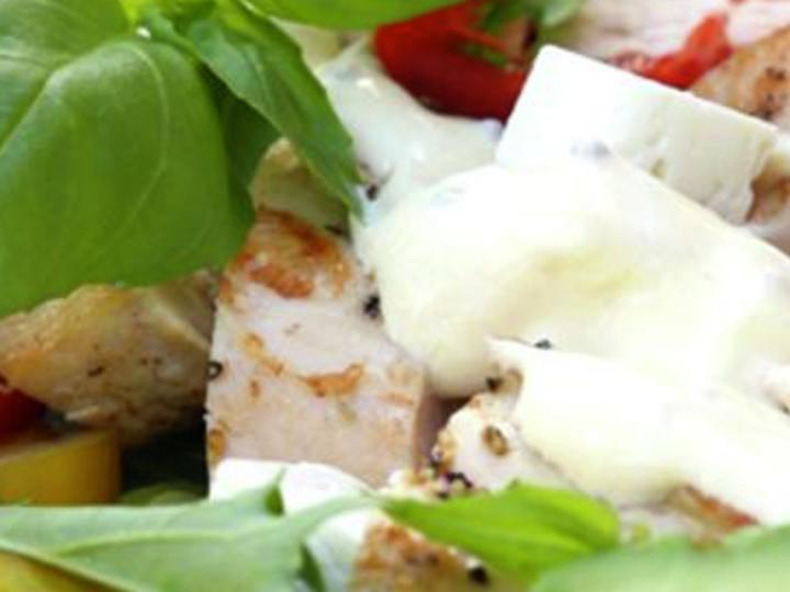 Pasta salat med kylling og fetaost