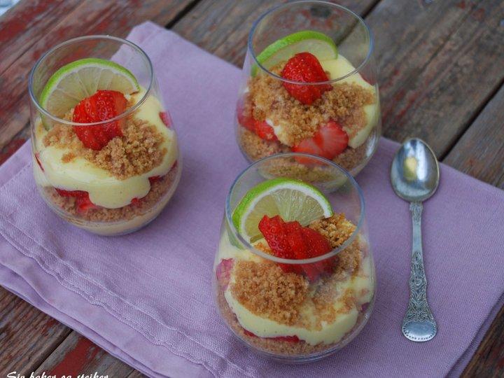 Kjapp limedessert med jordbær