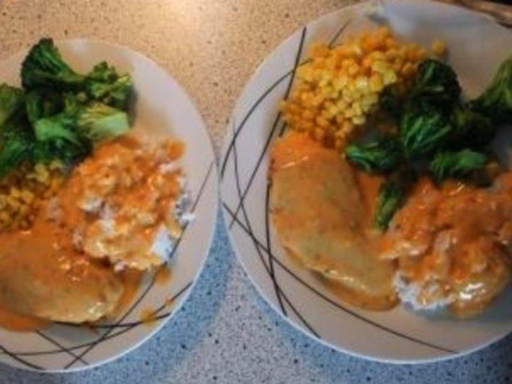 Kyllingfilet med ris og salat