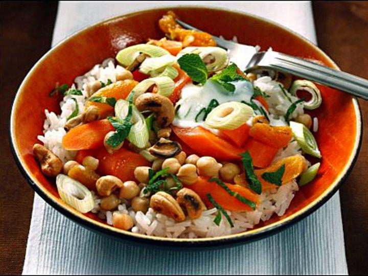 Ris med orientalske grønnsaker