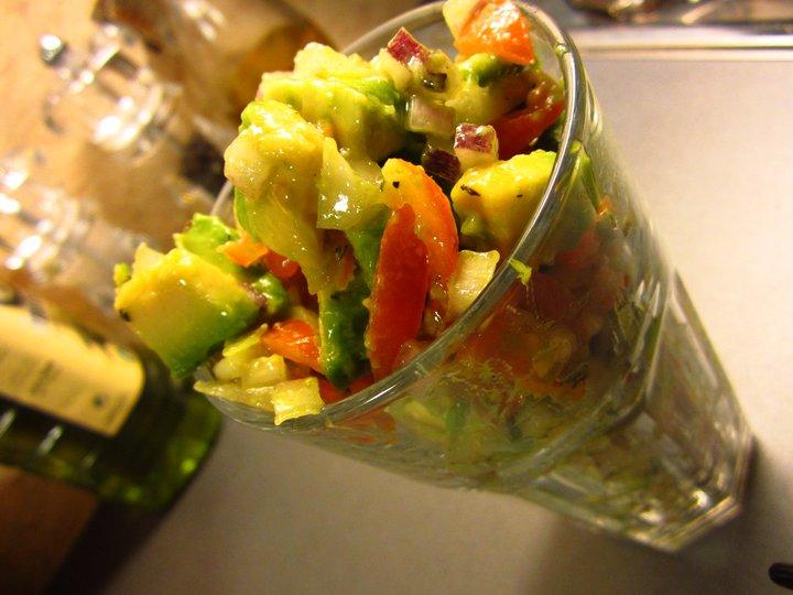 Avokado og tomatsalat