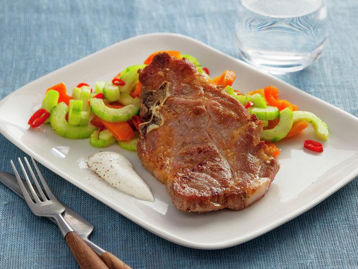 Nakkekoteletter med stekt agurk 1
