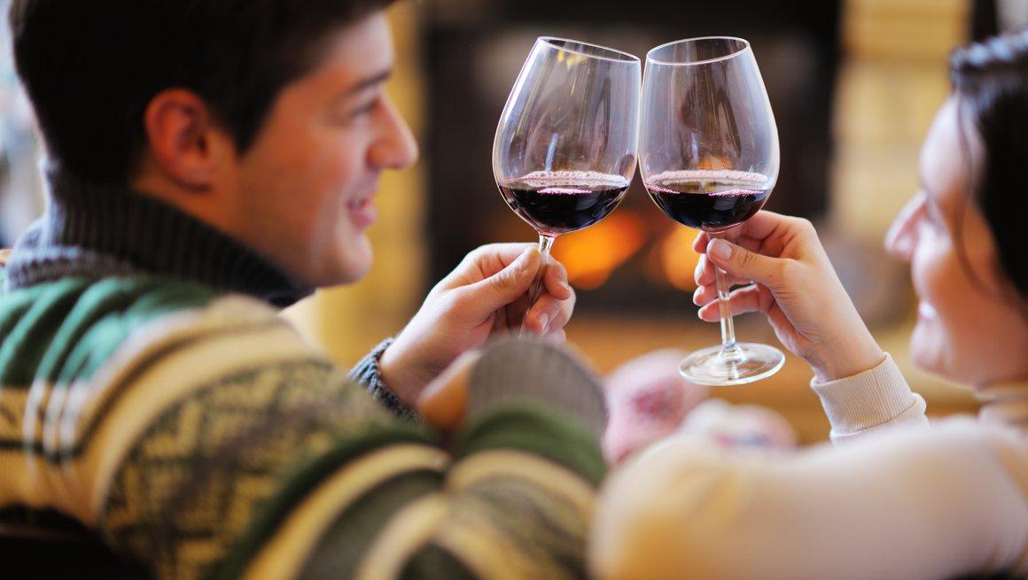 Vin ved peisen.jpg