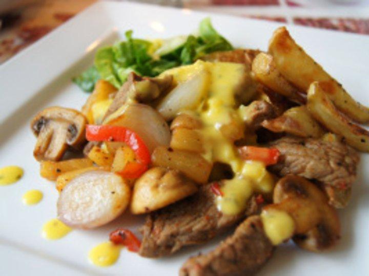 BIffsnadder med Bearnaise og salte søtpoteter