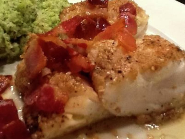 Sesam- og pepperpanert torskeloin med blomkoli- og sellerriotpurè