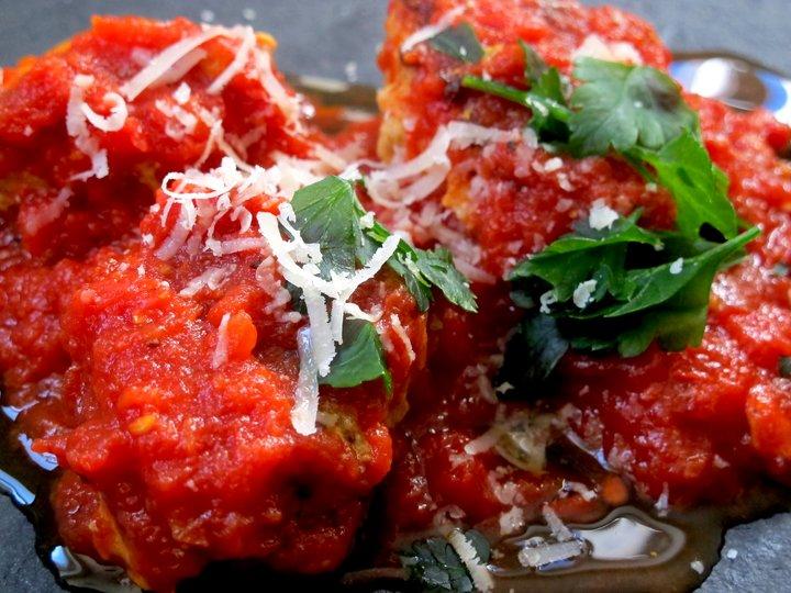 Saftige kjøttboller med parmesan og gulrot