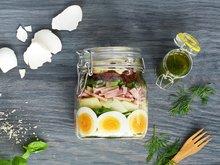 Salat med egg og skinke