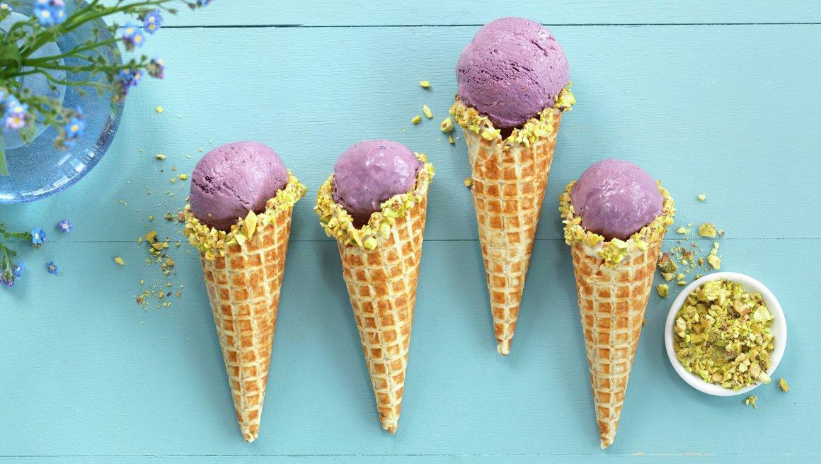 Iskrem med blåbær