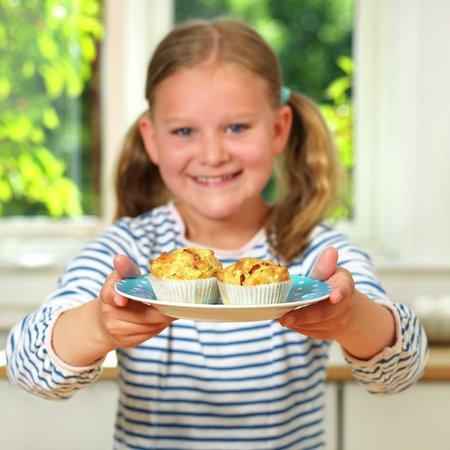 Barn med matmuffins 2
