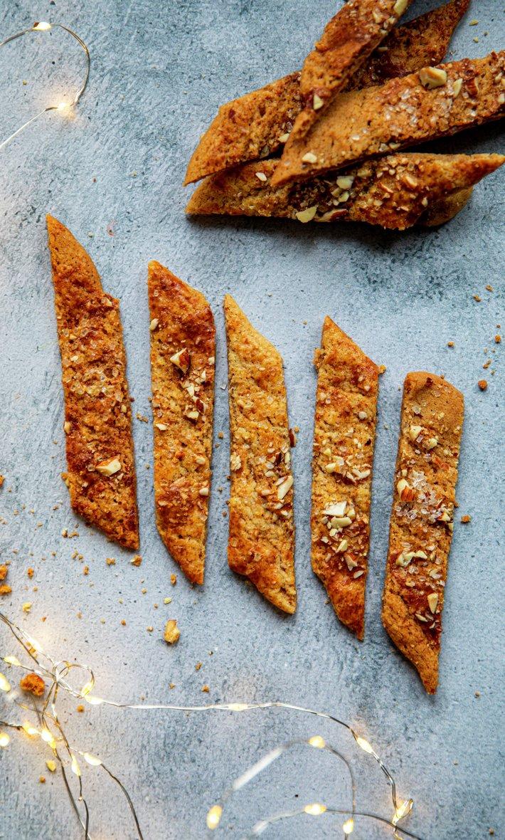 Brune pinner - kolakaker