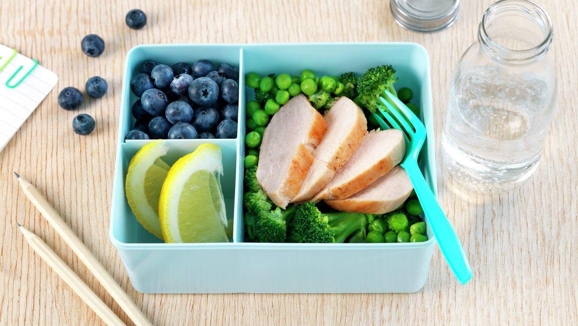 Kyllingfilet med grønn brokkolisalat