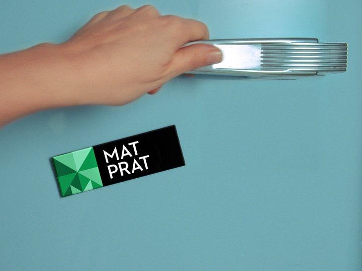 Kjøleskap med logo