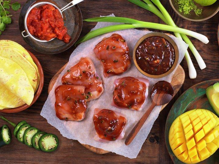 Miljøbilde råvare kylling lårfilet - taco med revet kylling