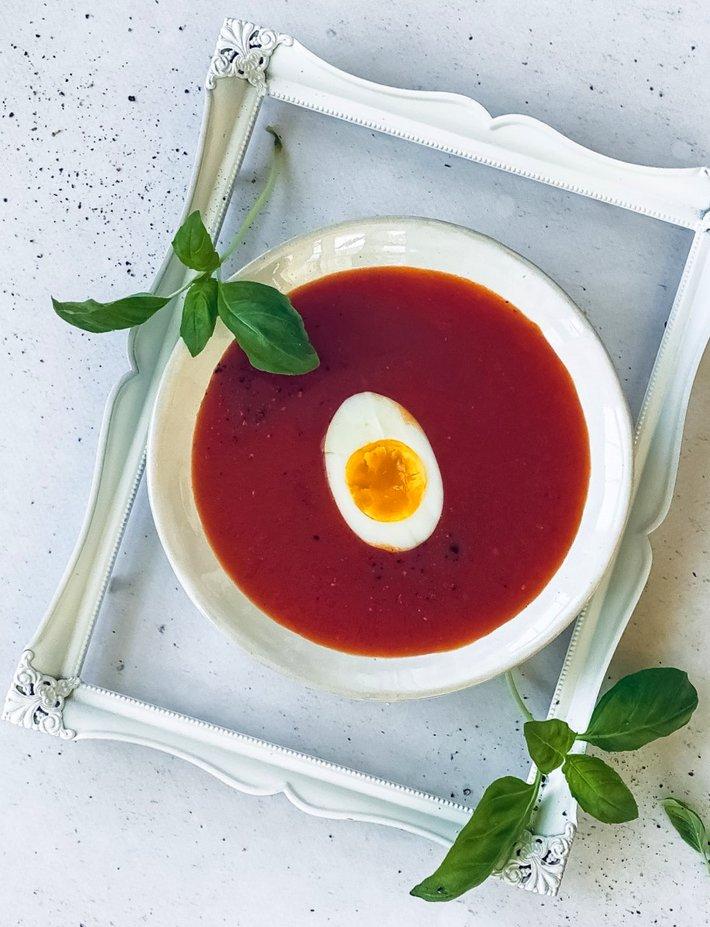 Tomatsuppe med egg