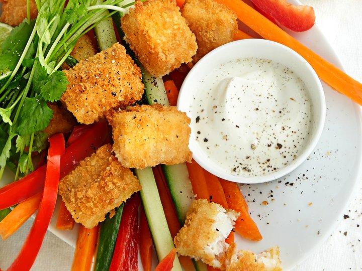 Nuggets med grønnsaksstaver og ingefærdipp