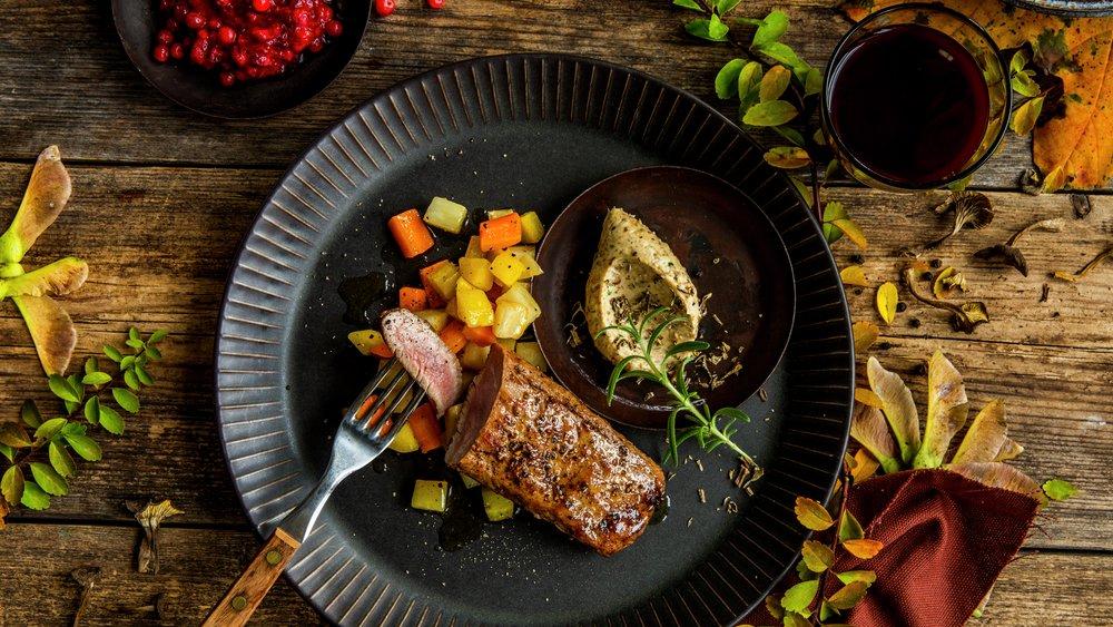 Lammebiff med glaserte grønnsaker