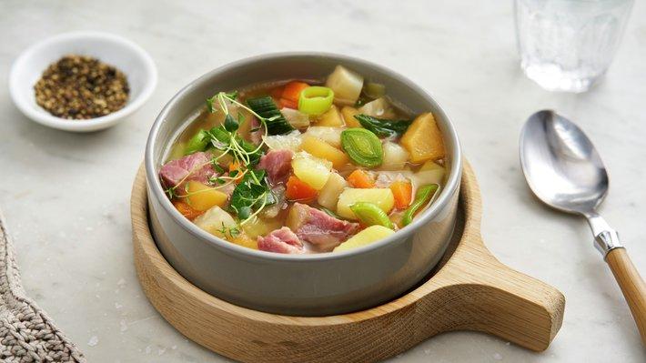 Betasuppe med svineknoke