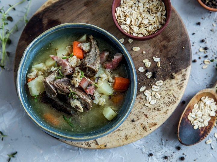 Kjøttsuppe med havregryn