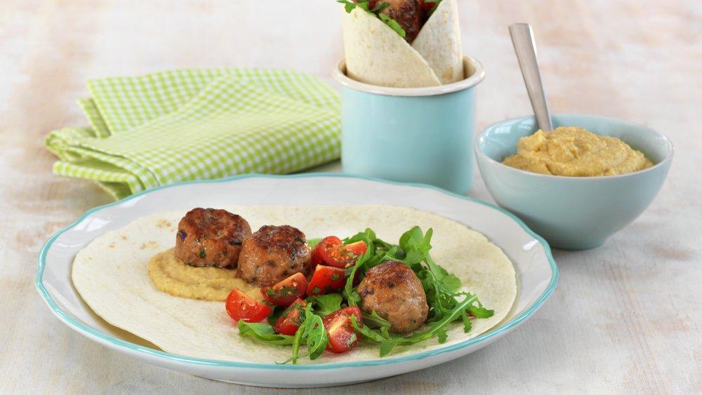 Wrap med kjøttboller og hummus