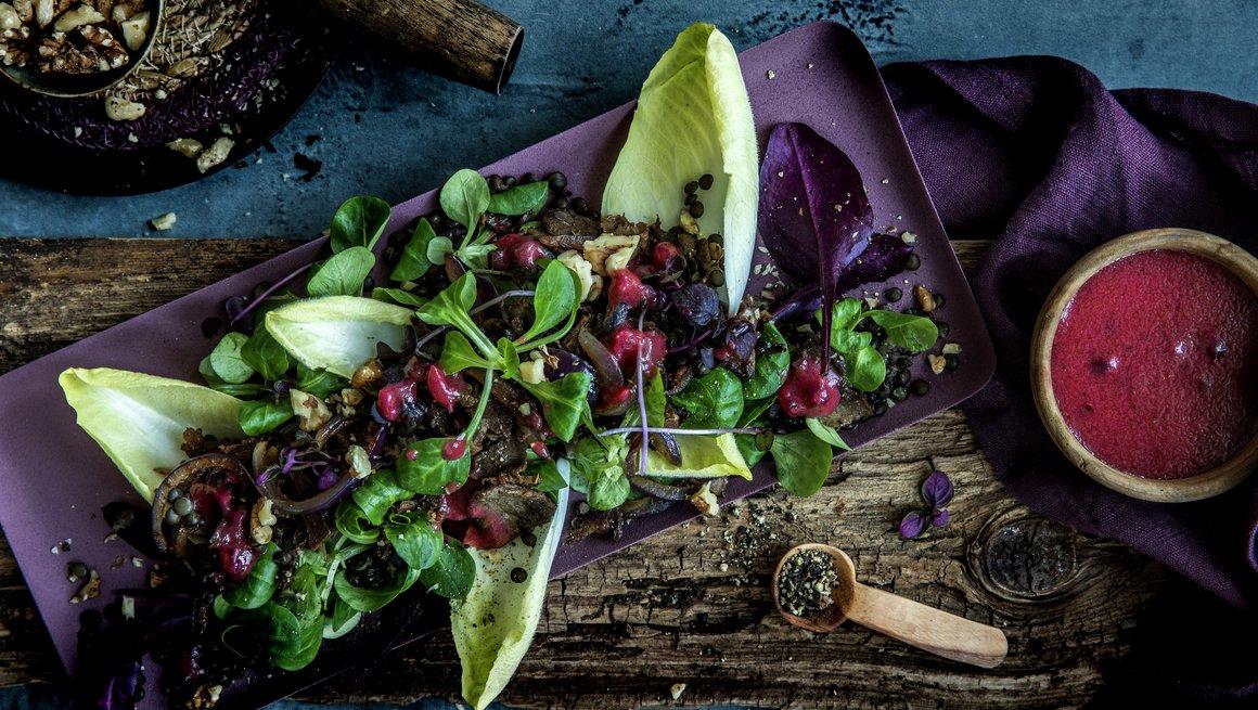 Lun salat med reinsdyrskav