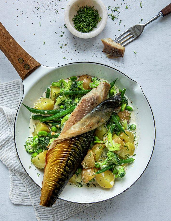 Varmrøkt makrell med kremede grønnsaker