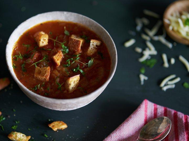 Løk- og tomatsuppe