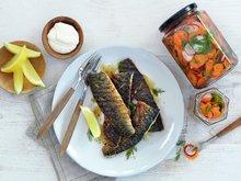 Grillet makrell med syltede grønnsaker