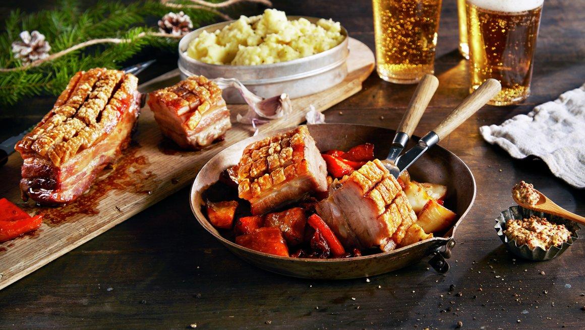 Ribbe med hvitløkspotetmos og grønnsaker