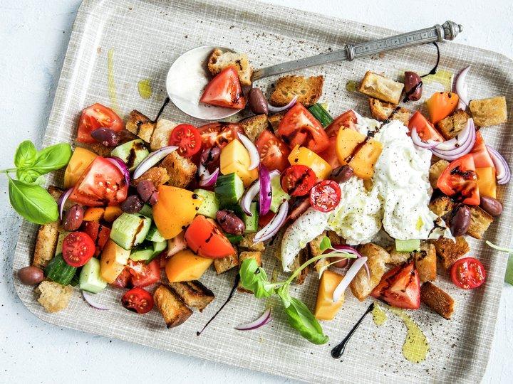 Panzanella - italiensk brødsalat