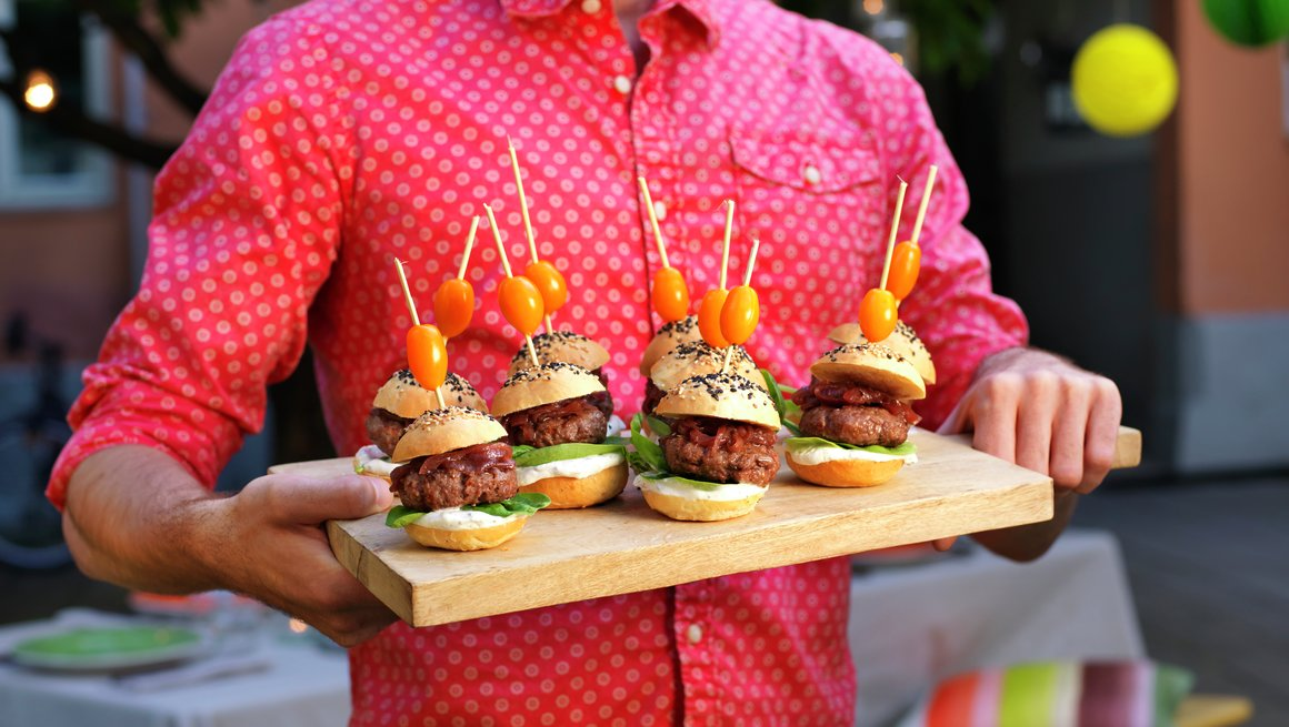 Miniburgere med rødløkskompott