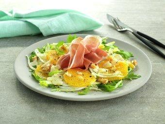 Spekeskinkesalat med appelsin og fennikel