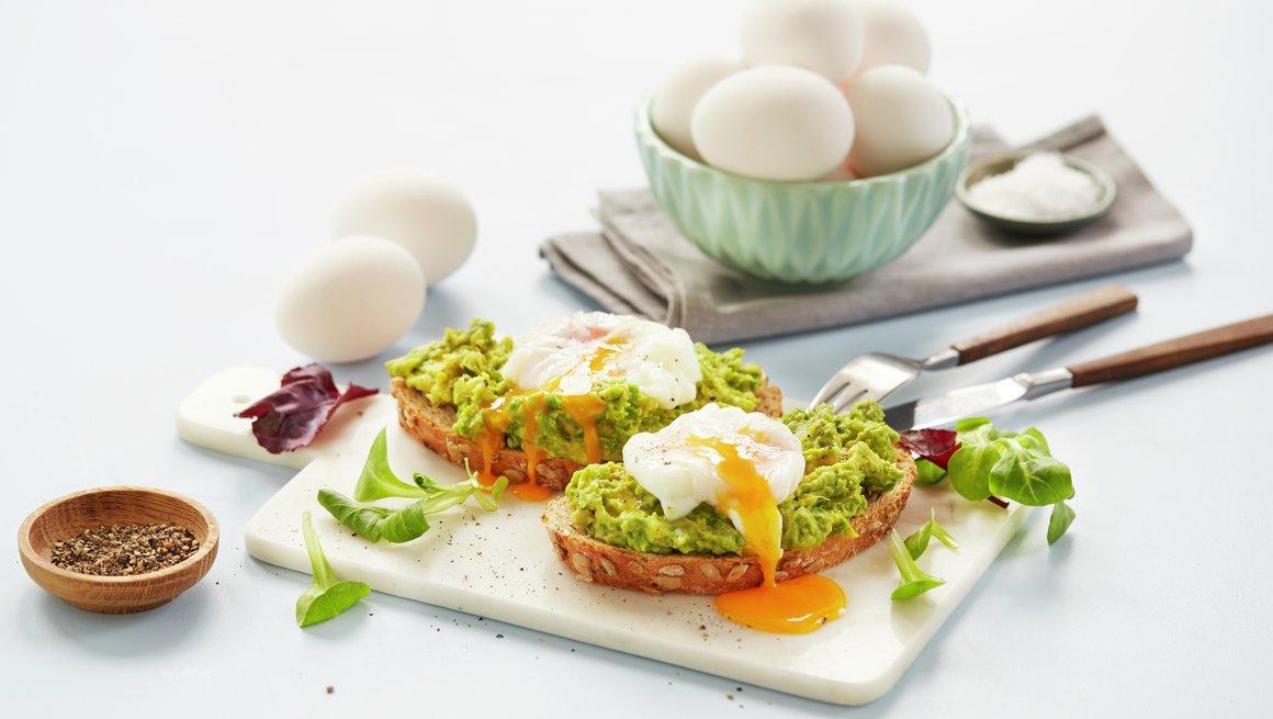 Posjert egg i plastfolie