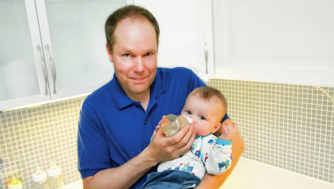 Gunnar Thoen med barn