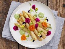 Hvit asparges med ramsløkaïoli