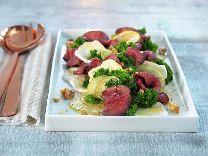 Roastbiff av rein med pære- og grønnkålsalat.jpg