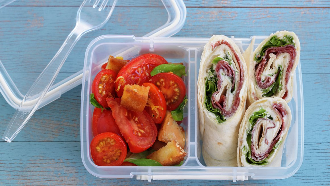 Wrap med salami og kremost