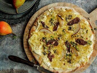 Hvit pizza med reinsdyrbiff