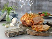 Lammestek fylt med oliven, fetaost og tomater