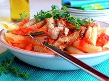Pasta med svinekjøtt og tomatsaus