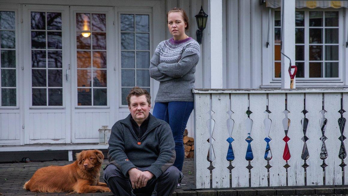 Bonde Karianne Solberg  (og Alf Solberg ), kjøttfe, gris, gress, maskintjenester