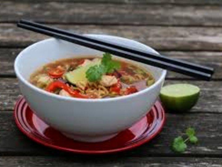 Asiatisk suppe som bare Lillian kan lage :-)