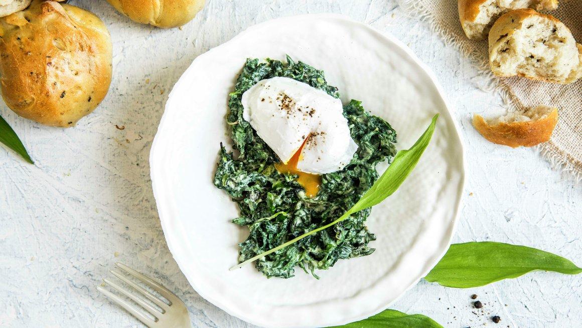 Neslestuing med posjert egg
