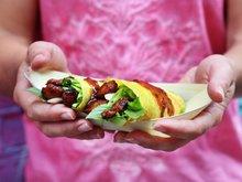 Asiatiske pannekaker med marinert svinekjøt