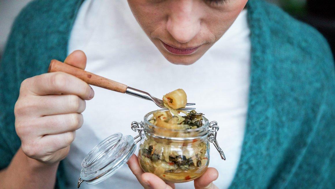 Se, lukt, smak - er maten spiselig? alternativ 2