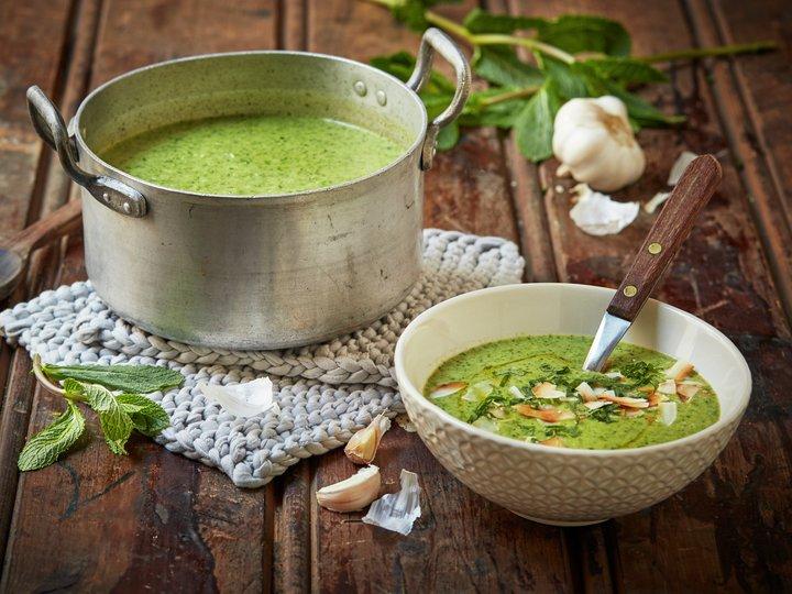 Brokkolisuppe med grønn curry